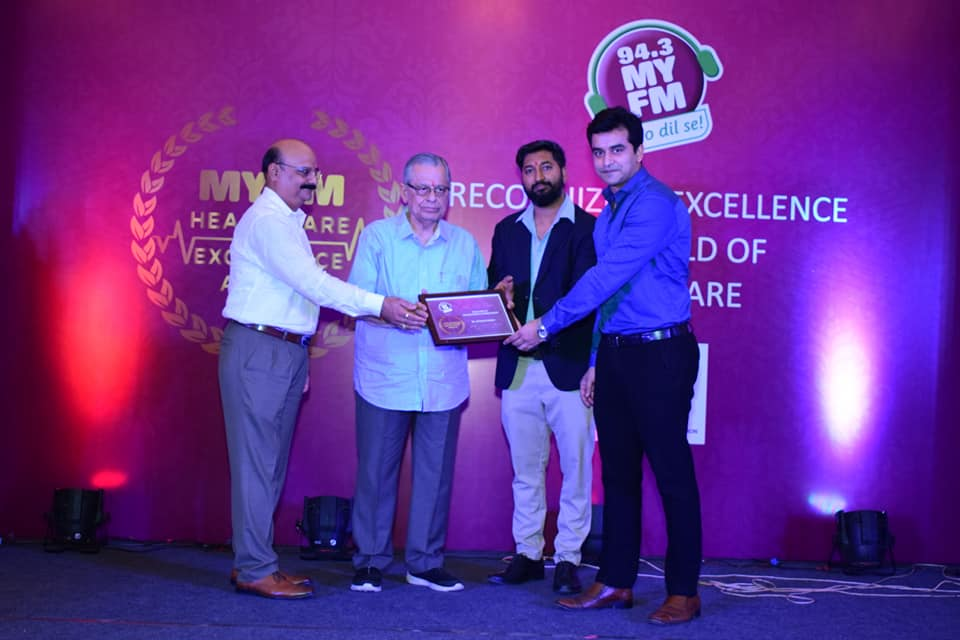 Dr. Apoorv Pandey, Honored by MYFM in Excellence in Neuro surgery